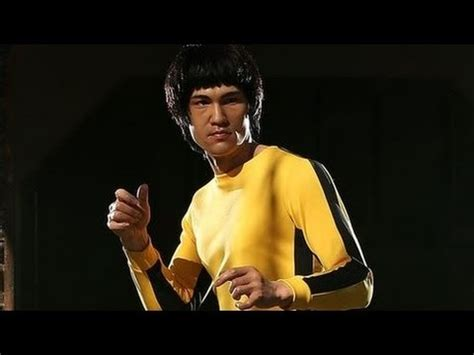 Bruce Lee Jumpsuit Sold for $100,000 - YouTube